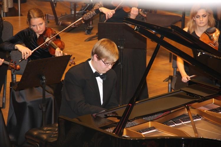 Jaunieji fortepijono lyderiai